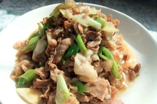 Stir-Fried Sliced Lamb with Scallion Recipe