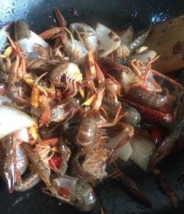 Authentic Spicy Crayfish Tail Home Recipe Step10