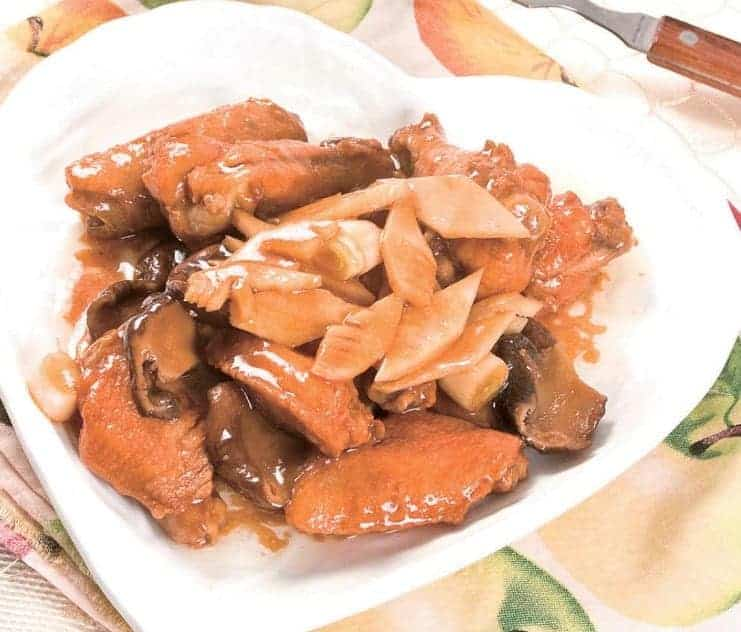 Braised Soy Sauce Chicken Wings With Bamboo Shoots