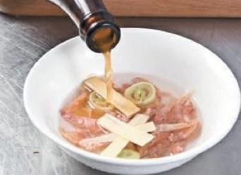 Fried Dried Shrimp with Rape Flowers step3