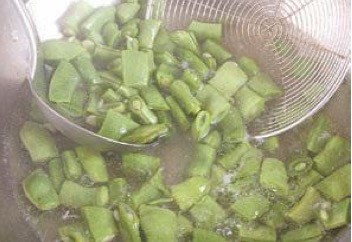 Fried Green Beans With Shrimp Paste step5