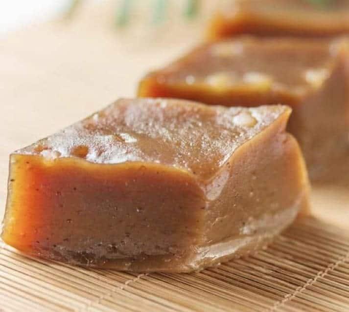 Red Dates Paste Cake Recipe