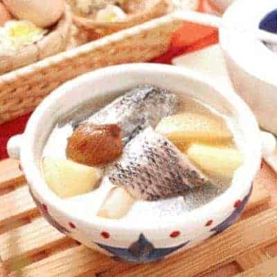 Apple Snow Pear Fish Soup Recipe