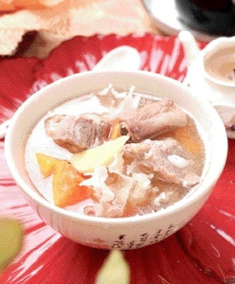 Pork Ribs and White Fungus Pawpaw Soup Recipe