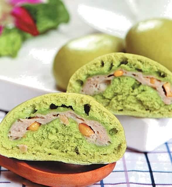 Steamed Spinach Flavour Corn Bun Recipe