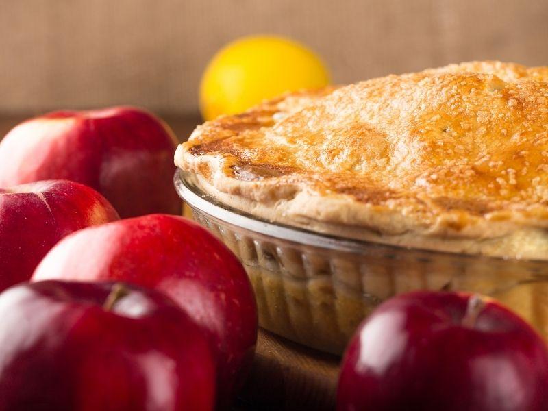 Apple Pie Crust Baking