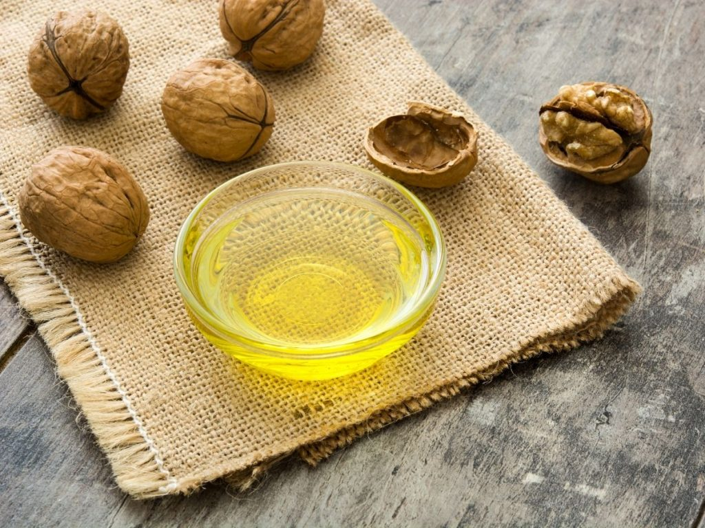 What Does Walnut Cooking Oil Taste Like